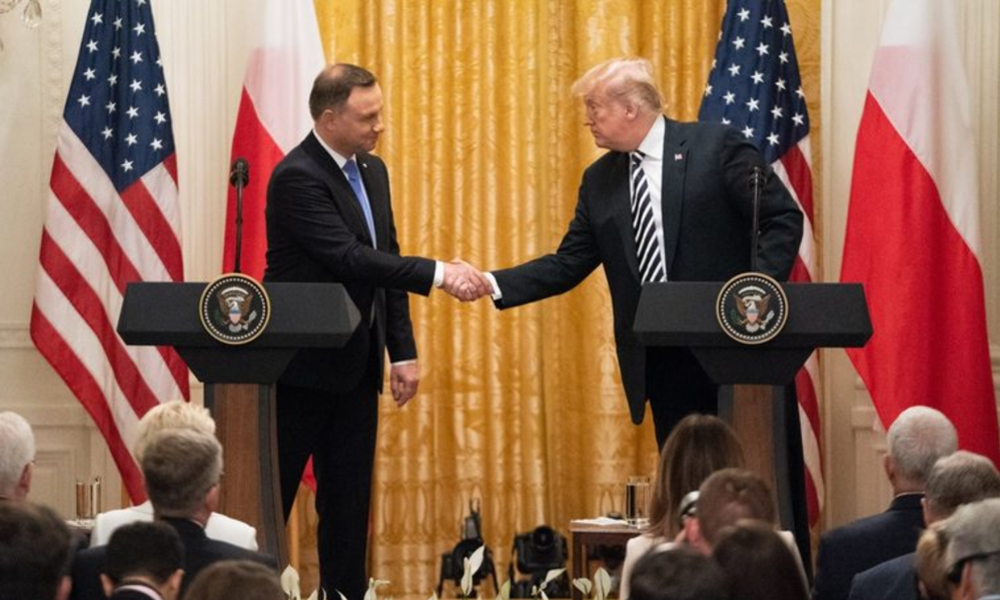 'Fort Trump': US considers permanent base in Poland